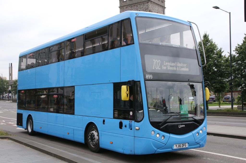 Buses and Coaches in Reading,Newbury,Slough and Bracknell